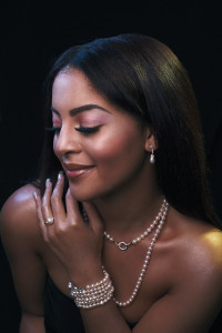 NATIONAL JEWELRY COMPANY Chinese cultured pearls with 14kt white gold diamond clasp on both necklace and bracelet. One carat total weight diamonds in each. Pearl and diamond drop earrings.